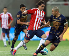 Chivas contra Pumas este domingo