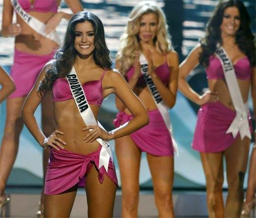 Paulina Vega en bikini en la pasarela de Miss Universo