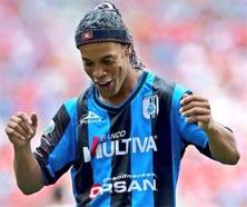 Querétaro contra Pachuca. Ronaldinho jugará