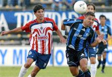 Querétaro contra Chivas en el Torneo de Clausura 2015
