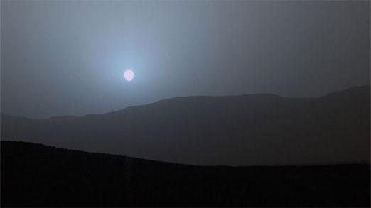 Curiosity capta imágenes de atardecer azul en Marte, según expertos explican el porque de este suceso.