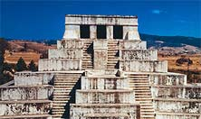 Pirámide Maya, una ciudad maya descubierta