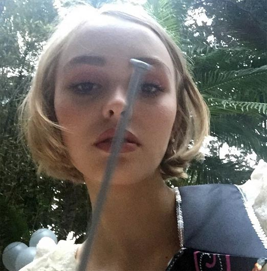 Lily-Rose Melody Depp, la hija enigmática del actor Johnny Depp