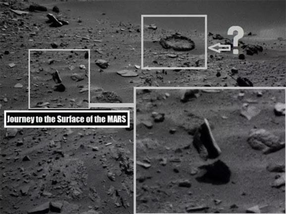 Una piedra flotando en Marte, una foto curiosa