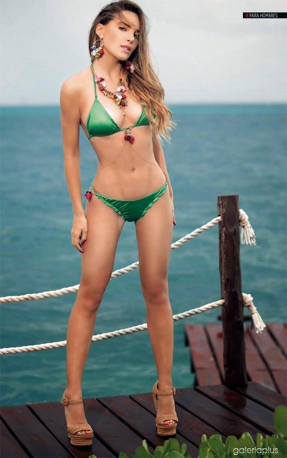 Belinda en bikini verde en donde se muestra