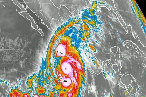 Huracán Patricia llega a México